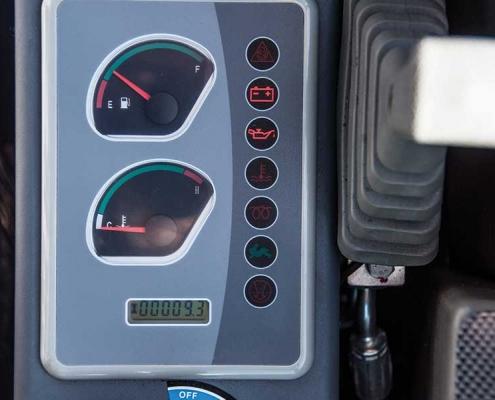 AC40UB-minigraver-brandstof
